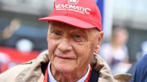 Een horrorcrash kon Niki Lauda niet klein krijgen, een griepje wel