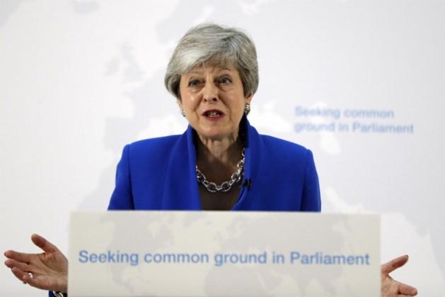 Theresa May lijkt naast allerlaatste kans op Brexitdeal te grijpen