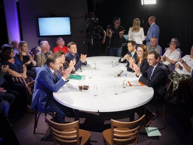 DEBAT. Wil Bart De Wever op vakantie met Jan Peumans of met Zuhal Demir?