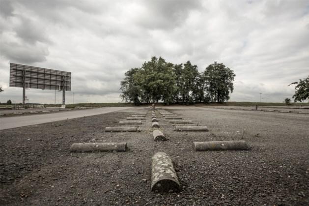 """Touring over verdwijnen vaste parkeerplaatsen: """"Mes-op-de-keelpolitiek"""""""