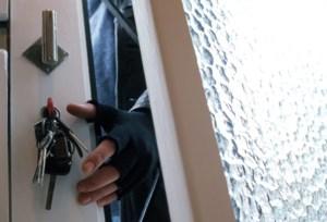 Inbrekerstrio krijgt tot 30 maanden cel voor drie inbraken in één nacht