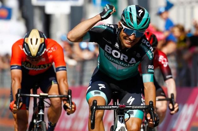 Eerste halve bergrit in Giro zorgt meteen voor spektakel: nieuwe leider, Italiaanse ritzege en favorieten bestoken elkaar
