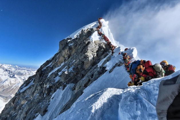 Klimmer bereikt levensdoel op top Mount Everest, maar sterft kort daarna
