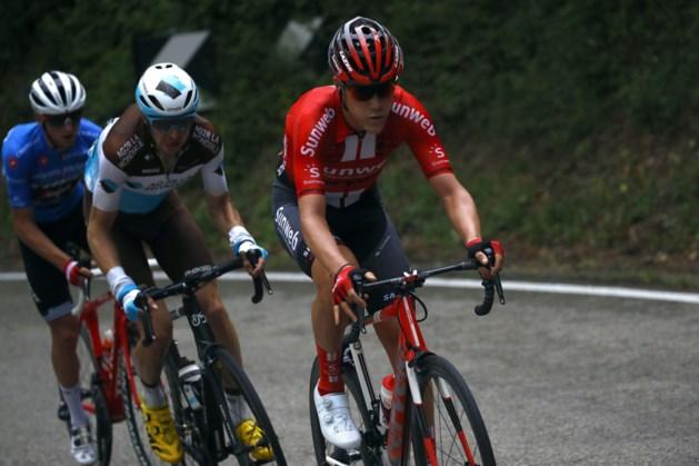 """Louis Vervaeke stapt leeggereden uit de Ronde van Italië: """"Alsof ik morgen ziek zal wakker worden"""""""