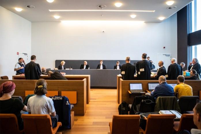 Tot drie jaar cel gevraagd voor stenengooiers in Meulenberg