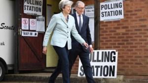 """Britse media: """"Theresa May kondigt vandaag datum van vertrek aan"""""""