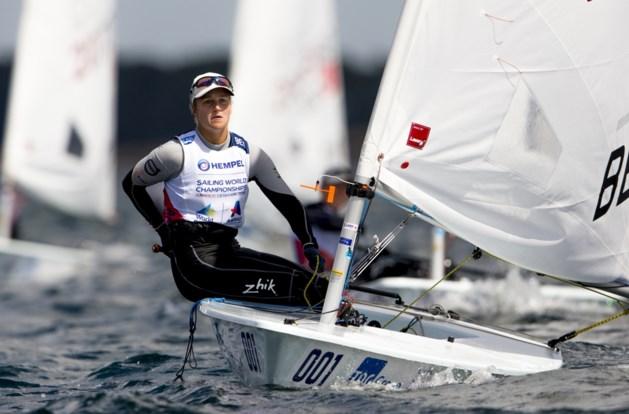 Emma Plasschaert stijgt naar 3e plaats op EK zeilen
