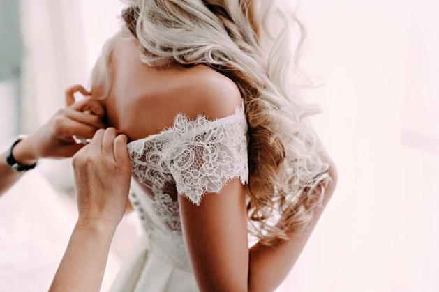 """""""Toen we voor het altaar stonden, zei hij de woorden die geen enkele bruid wil horen"""""""