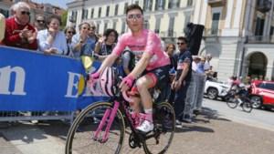 Voormalige roze trui geeft op in Giro op vier ritten van het einde