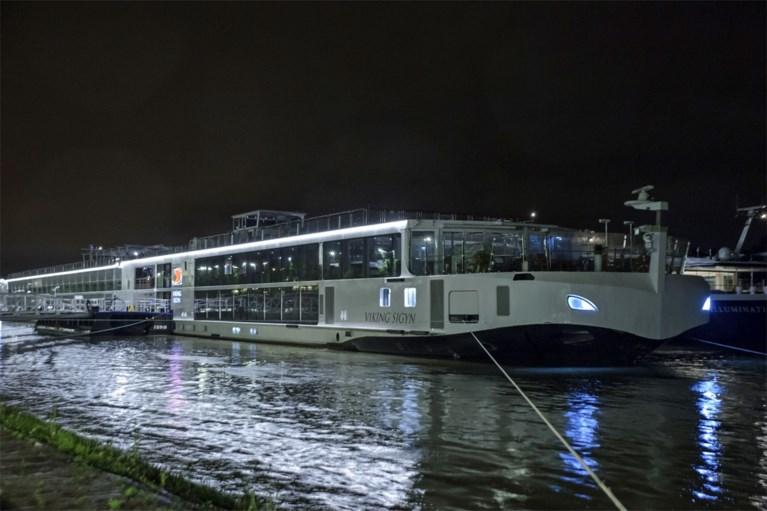 Zeker zeven doden en negentien vermisten na schipbreuk toeristenboot in Hongarije