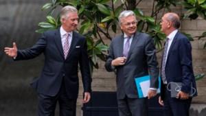 Koning stelt Didier Reynders (MR) en Johan Vande Lanotte (SP.A) aan als informateur