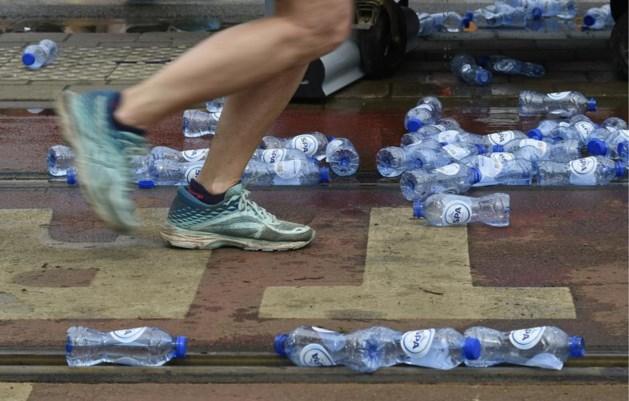 """Topsporters doen oproep om duurzamer te sporten: """"Gooi toch niet zoveel flesjes weg"""""""