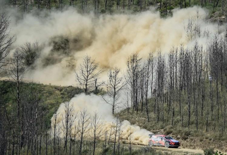 Ott Tänak blijft aan de leiding in Rally van Portugal, Hyundai speelt het tactisch met Thierry Neuville op vier
