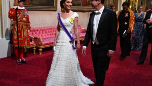 Kate Middleton straalt in kanten jurk en bijzondere tiara