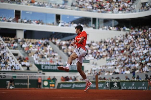 ROLAND GARROS. Novak Djokovic en Dominic Thiem plaatsen zich vlot voor halve finales