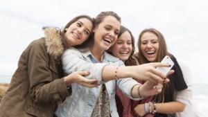 Smartphone houdt vooral vrouwelijke studenten wakker