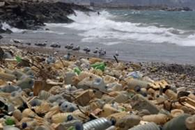 """Elke minuut 33.800 plastic flessen in zee, WWF: """"Middellandse Zee is open riool"""""""
