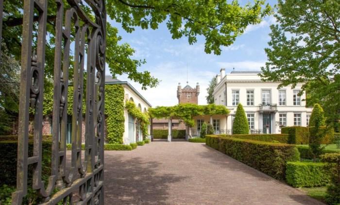 Voor 1,6 miljoen euro kan dit kasteeltje in Hasselt-centrum het jouwe zijn