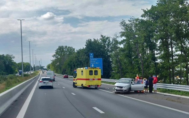 Verkeershinder na ongeval op E313 ter hoogte van Hasselt-Zuid