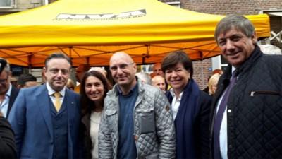 De Wever, Demir en Jambon steunen Raskin op markt in Bilzen