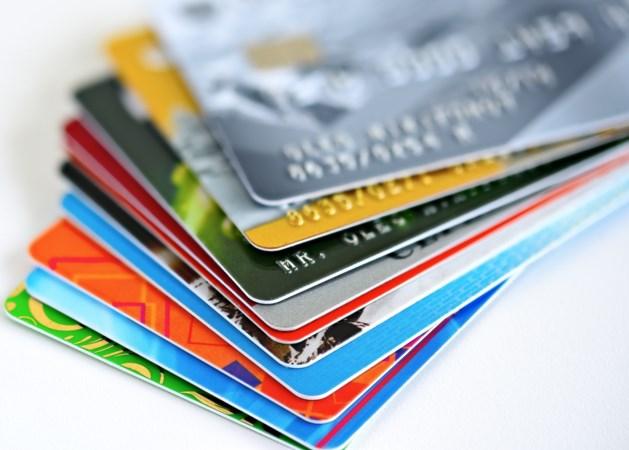 Gemiddeld eten we één bankkaart aan plastic per week