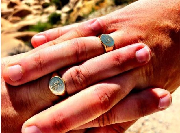 VRT-journalist Riadh Bahri stapt in het huwelijksbootje met Hasseltse vriend