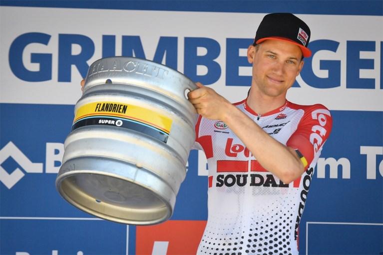 """Tim Wellens wint tijdrit in Baloise Belgium Tour, Remco Evenepoel blijft leider: """"In koninginnenrit moet het gebeuren"""""""