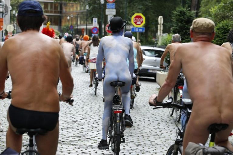 Honderdtal naaktfietsers doorkruist Brussel