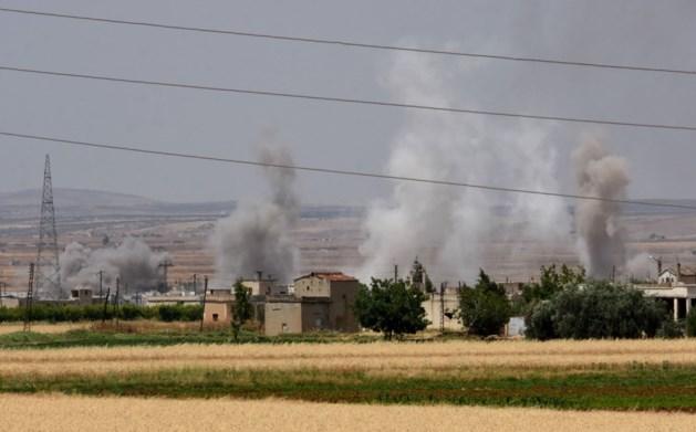 Zelfmoordaanslagen rebellen in Syrië lokken nieuwe golf van luchtaanvallen uit