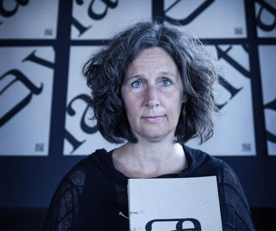 Walda Verbaenen helpt inwijkelingen Nederlands leren met nieuwe lettertypes