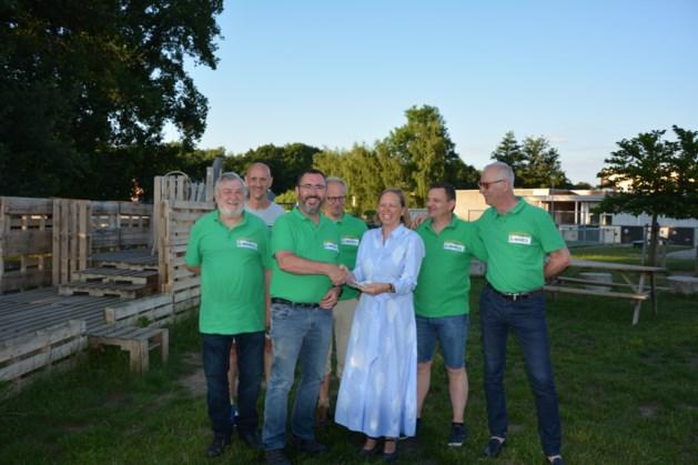 Buurtcomité Hoogveld Schoonbeek steunt groene speel-leer-plaats De Wilg