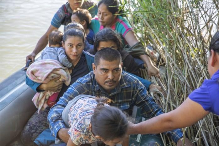 Vliegtuigtickets van één dollar in Mexico voor migranten die willen terugkeren