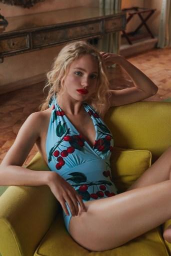 Mytheresa en Dolce&Gabbana brengen collectie uit waarin kersen centraal staan
