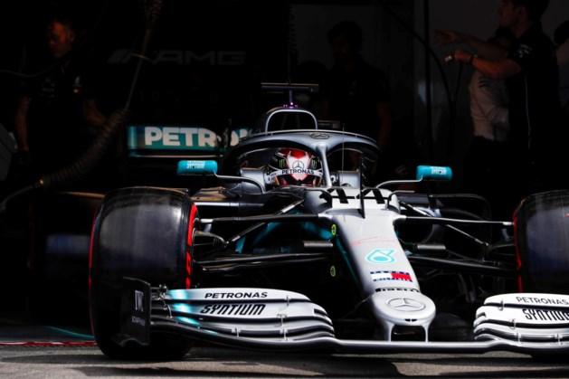 Mercedes domineert eerste oefensessie in Frankrijk