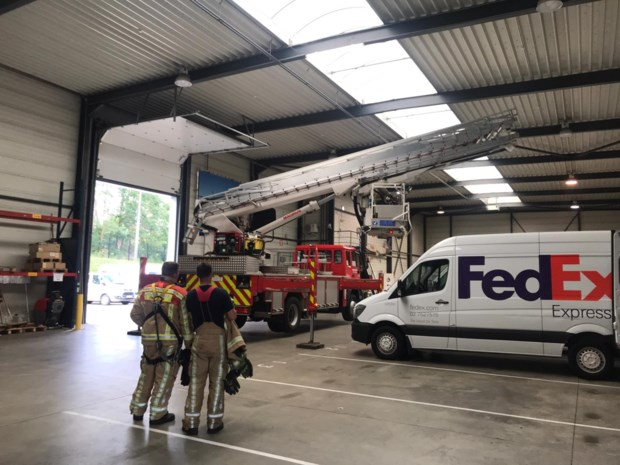 Lamp bij FedEx in brand