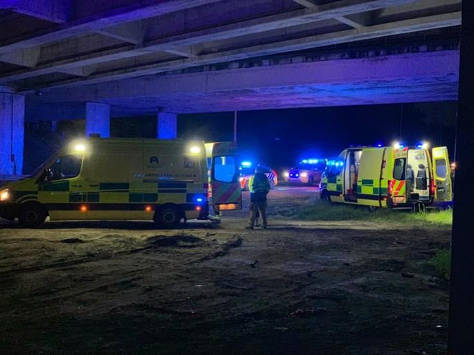 Auto met drie jonge passagiers stort van brug E19: twee zwaargewonden en gewonde