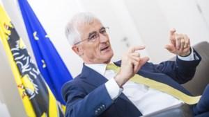 Geert Bourgeois neemt ontslag als Vlaams minister-president