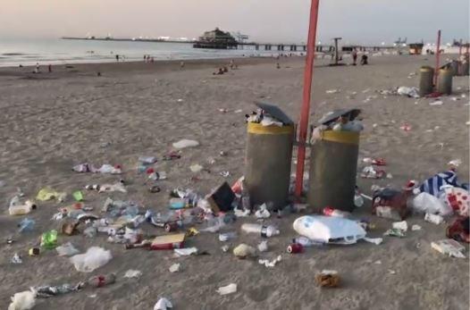 Zo smerig laten toeristen onze stranden achter