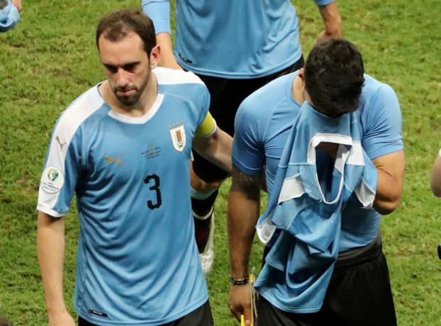 Peru houdt Uruguay na strafschoppen uit halve finales van Copa América, Luis Suarez is antiheld