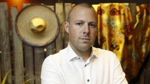 Het celibaat beu, zeker nu hij een lief heeft: Pieter Delanoy, de mol van 2018, stopt als priester