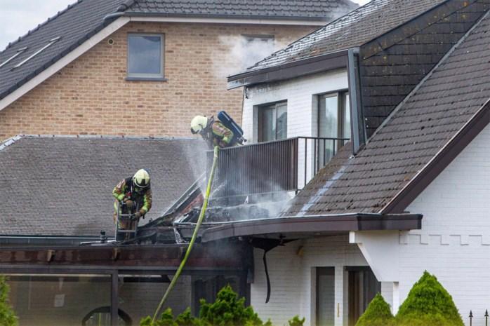 Veel schade bij uitslaande dakbrand in Zonhoven