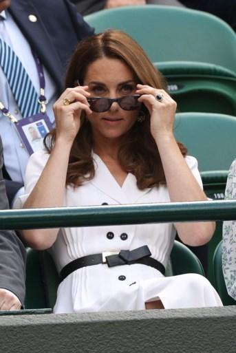 ROYALS. De Queen krijgt bijzonder gezelschap, prins William doet iets waar prinses Diana trots op zou zijn