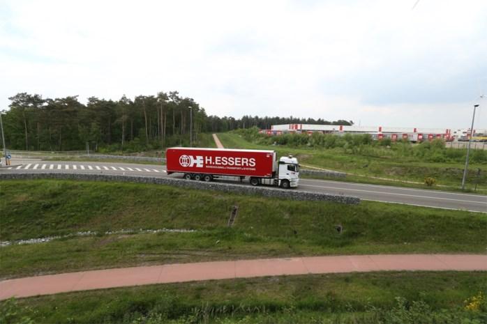 """Essers reageert op incident met vrachtwagen op E40: """"Onze chauffeur is zelf in shock"""""""