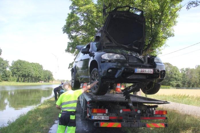 """Jango belandt met auto in Zuid-Willemsvaart: """"Gelukkig heb ik niet gepanikeerd"""""""