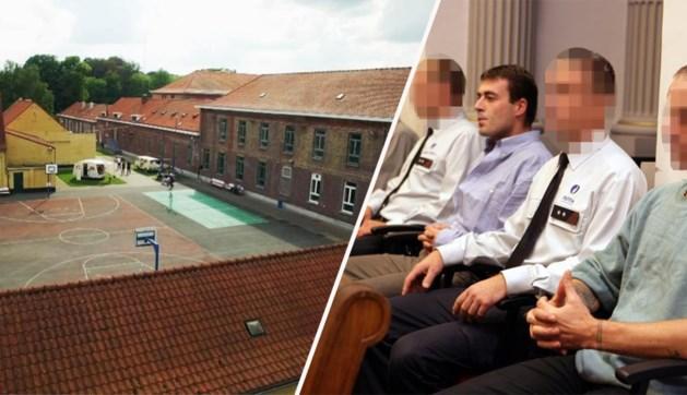 Twee van de drie ontsnapte gevangenen zijn vanochtend opgepakt in Rotterdam