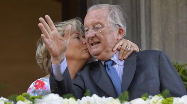 Koninklijke familie poseert in Zuid-Frankrijk voor diamanten bruiloft