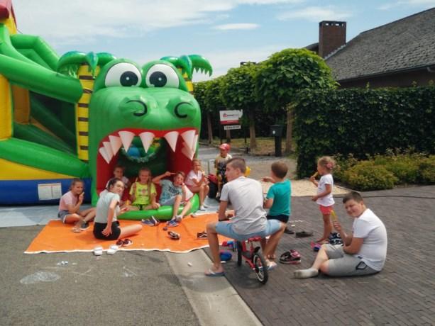 Kinderen leven zich uit in speelstraat Vosheuvel