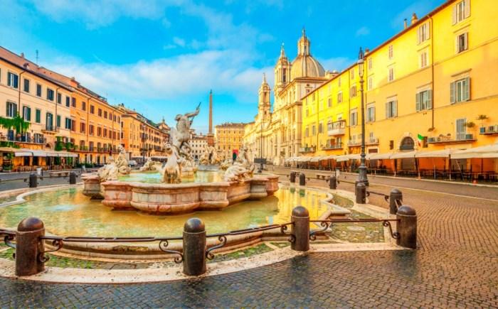 Rome gaat toeristen 'heropvoeden': boete voor ijsje eten op Spaanse Trappen