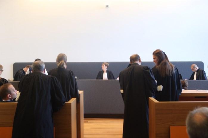 Stenengooiers van Meulenberg krijgen 40 en 18 maanden cel