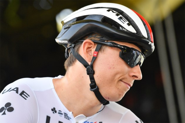 Debutant Jasper Philipsen (21) stapt uit de Tour de France